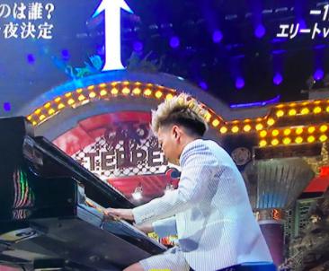 ピアノ 芸人 こまつ