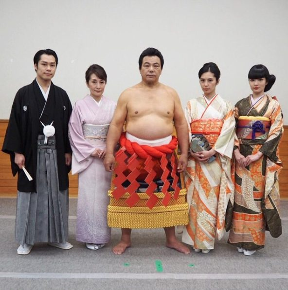 秋元梢の母・千代の富士の嫁、秋元久美子はどんな人?夫婦・親子仲1